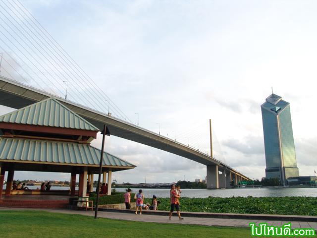 สะพานพระรามเก้า