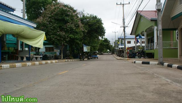 ถนนบนเกาะสีชัง