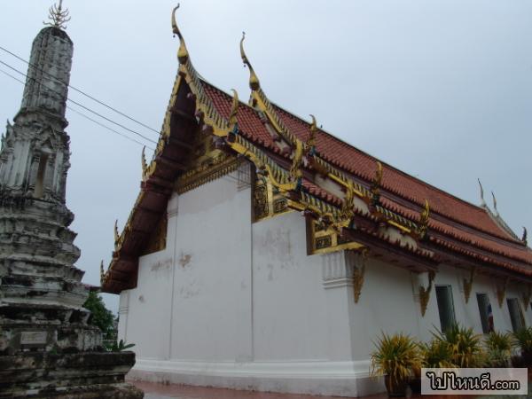 โบสถ์วัดป่าโมกข์วรวิหาร ที่ประดิษฐานพระพุทธไสยาสน์